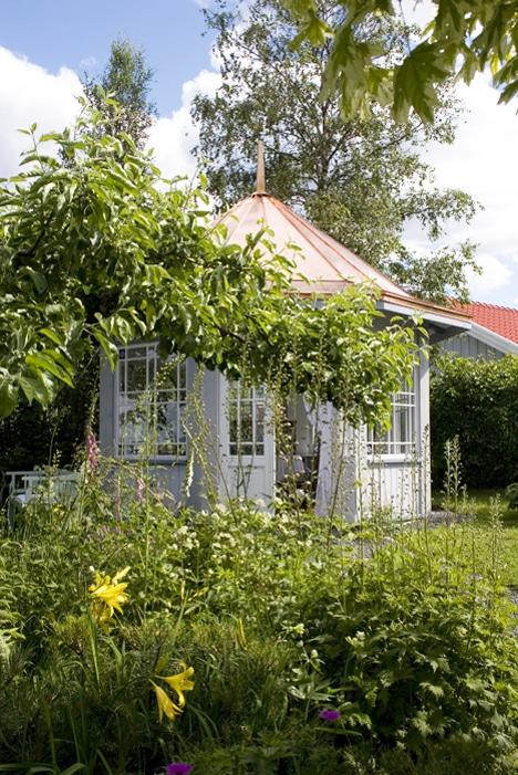 Lysthus i hagen