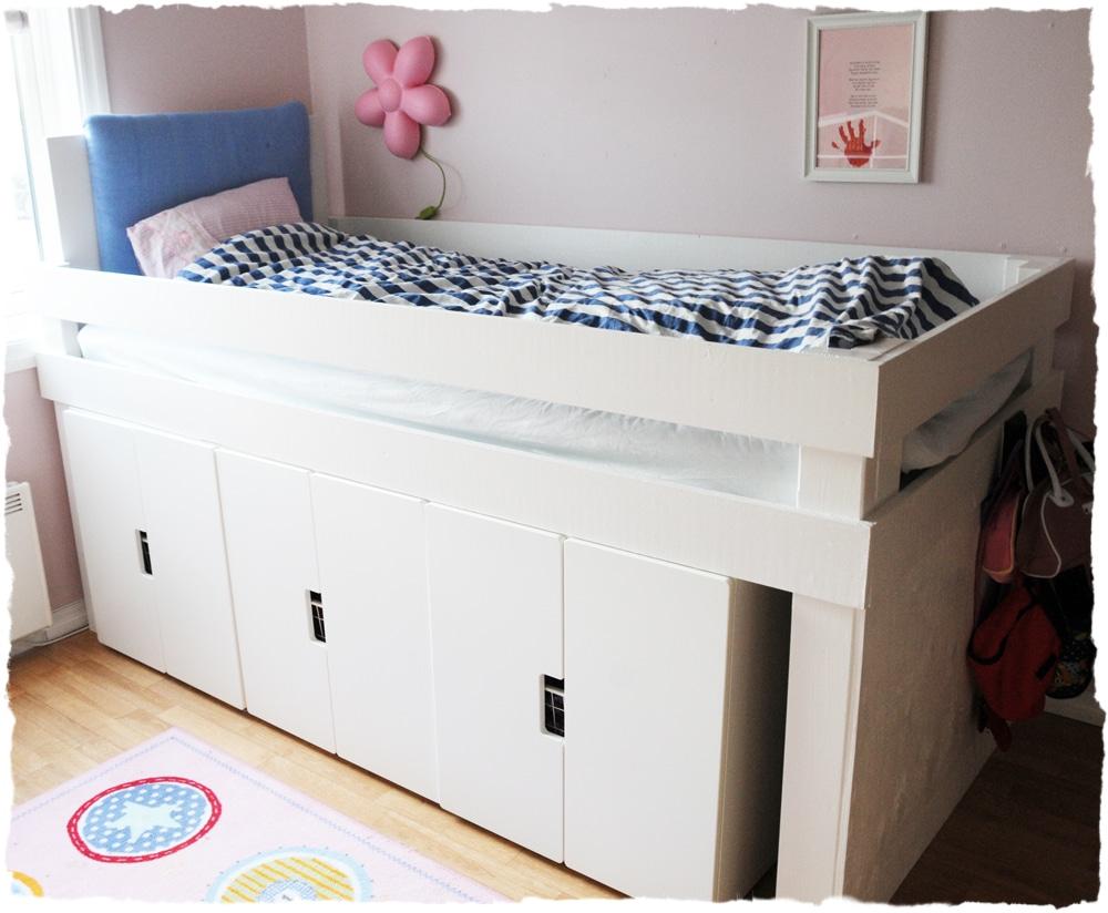 oppbevaring plass under seng