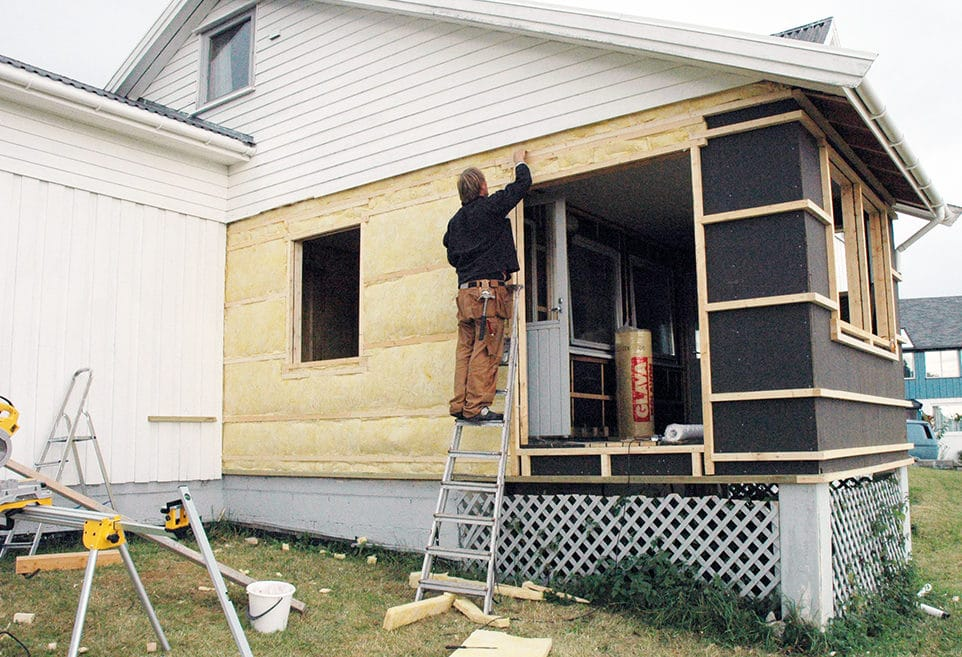 Bygger inn verandaen