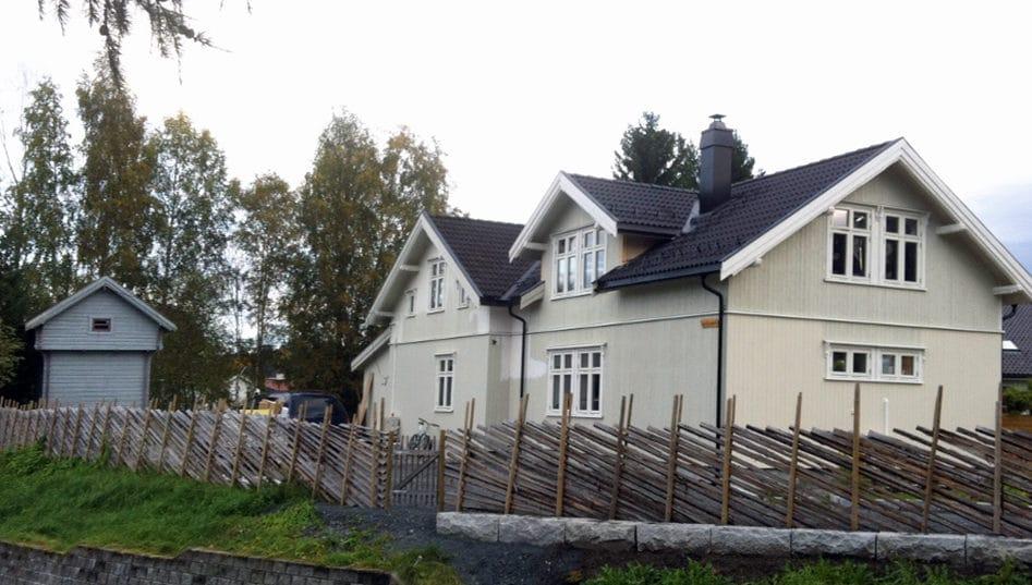 Hus med tilbygg