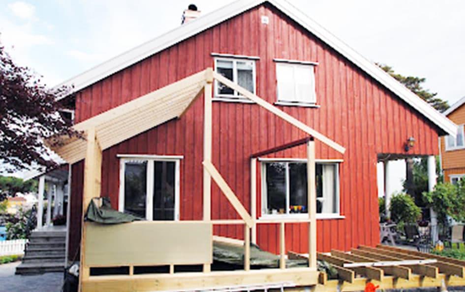 Bygger vinterhage og terrasse