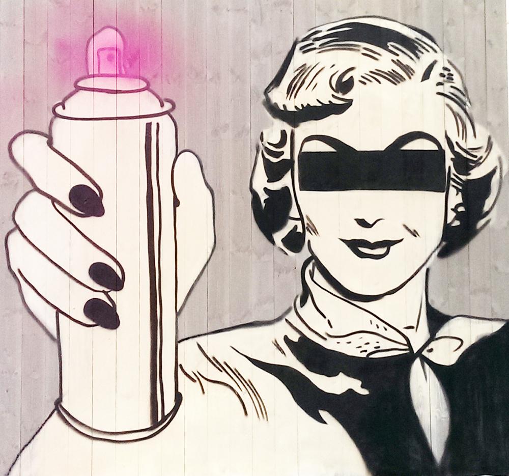 Dame med sprayboks på Setergrå panel