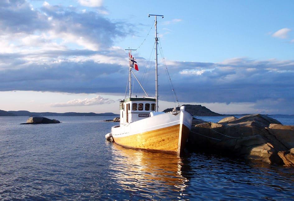 Feriebåt på sjøen
