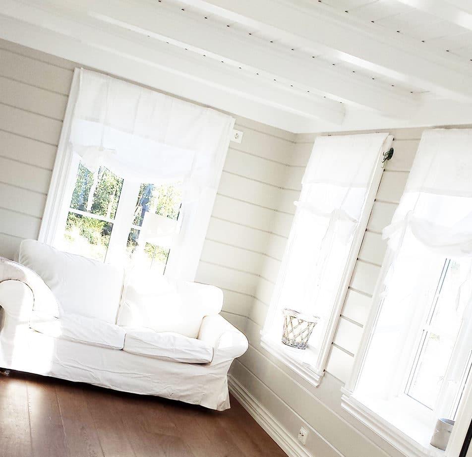 Stuen med panel