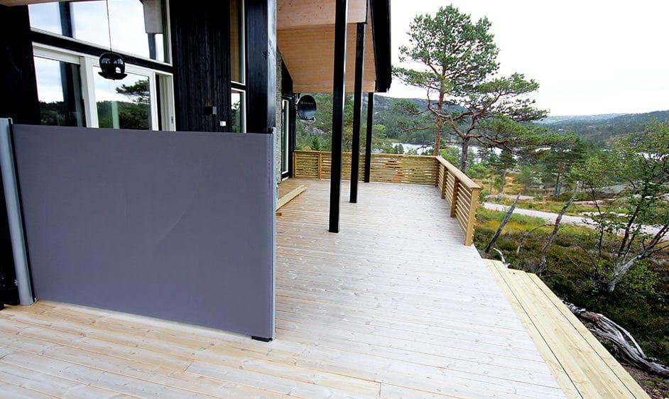 Terrasse med levegg