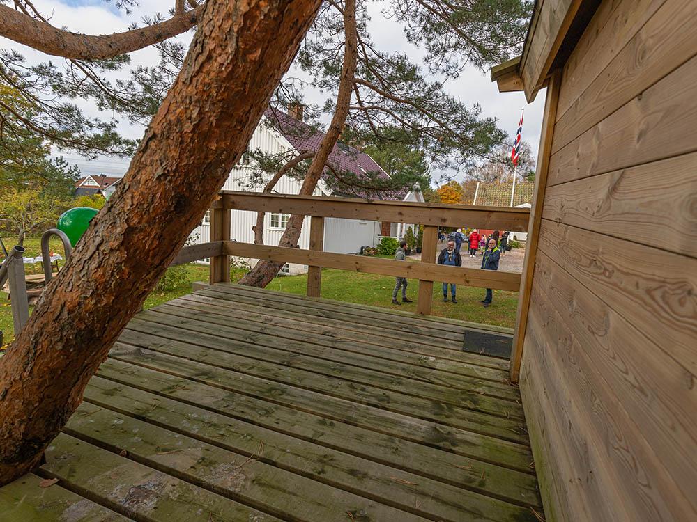 Bilde fra uteplassen ved tretopphytta til Hans Martin - Vinnerinnlegg Barnas Trepris 2020