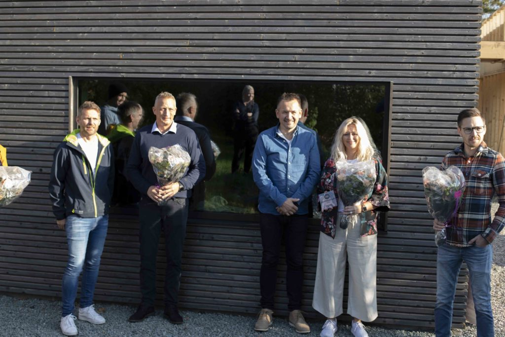 Bilde av vinnere og representater fra byggevarehandelen