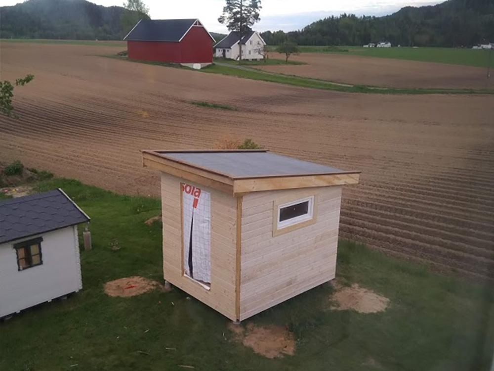 Bilde av hønsehus med kledning, tak og isolasjon - Åpen Klasse finalist nummer 5