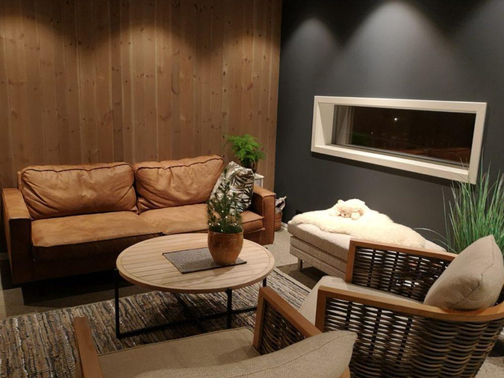 Bilde av stue med panel