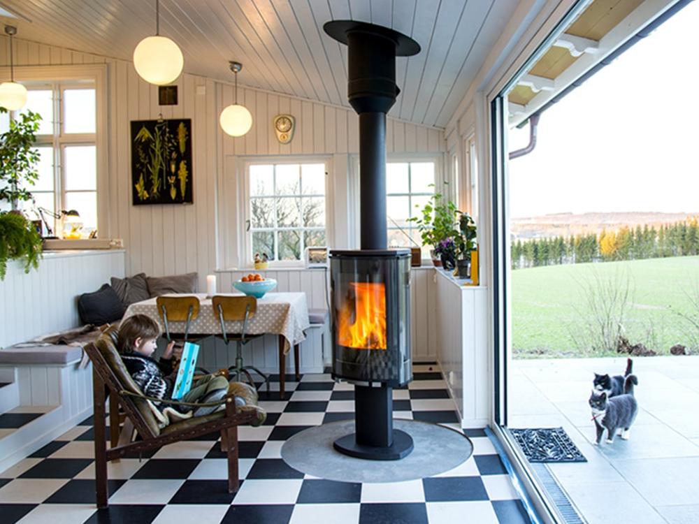 Bilde av kjøkken med panelvegger