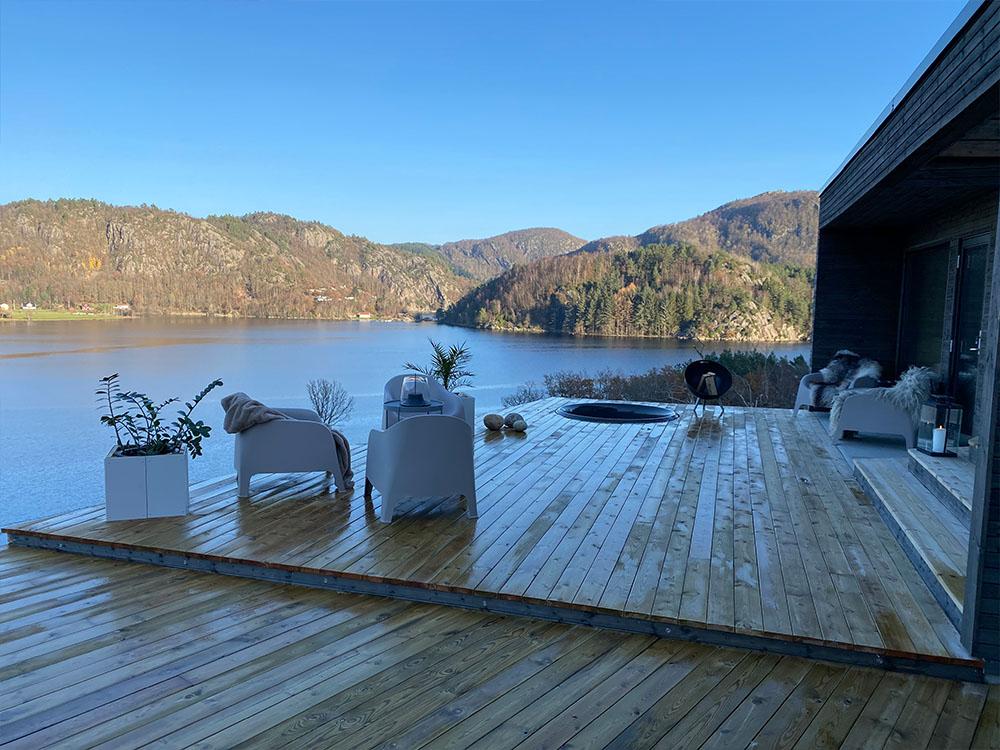 Bilde av terrasse hos finalist nummer 13. Uteromsprisen 2021.