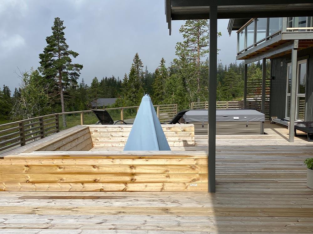 Bilde av terrasse hos finalist nummer 14 Uteromsprisen 2021.
