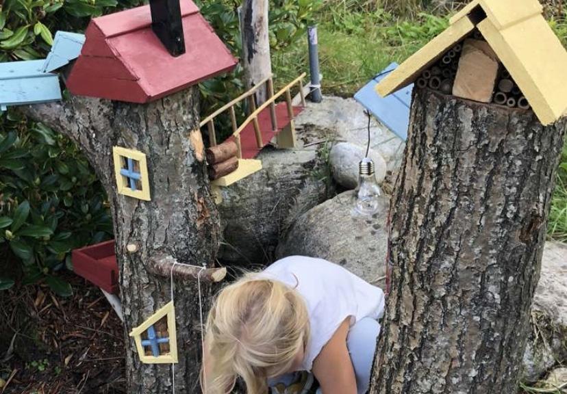 Bilde av finalist Barnas Trepris - små byggerier - kreative trestubber