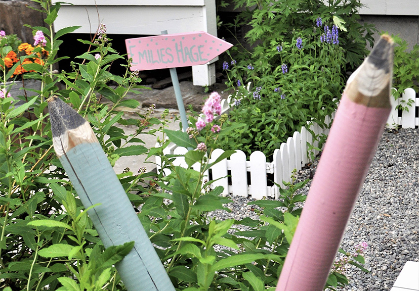 Bilde av 'blyanter' i 'Emilies hage'. Finalist i barnas trepris i kategorien små byggerier.
